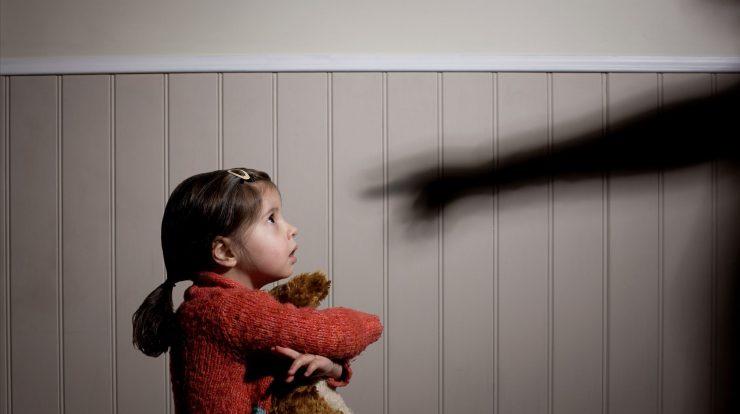 کودکآزاری در رتبه نخست خشونتهای خانگی قرار دارد