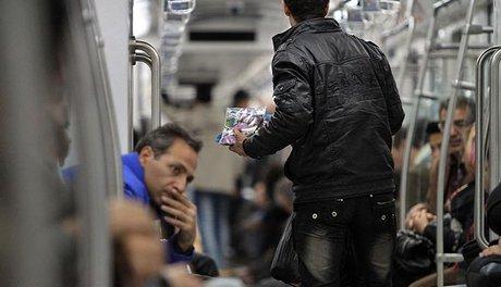 «برخورد با دستفروشی در ایستگاههای مترو به شدت دنبال میشود.»