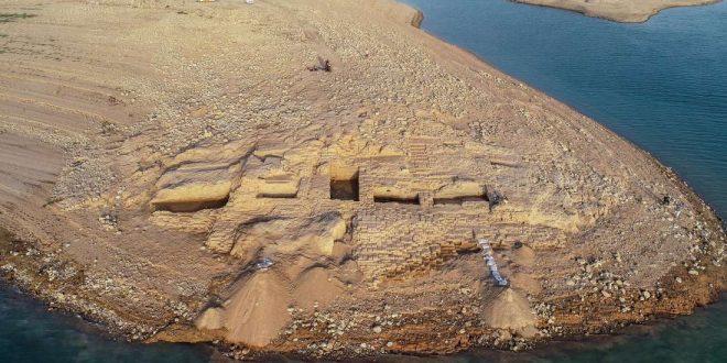 بیرون آمدن شهر ۳۵۰۰ ساله از زیر آب سد