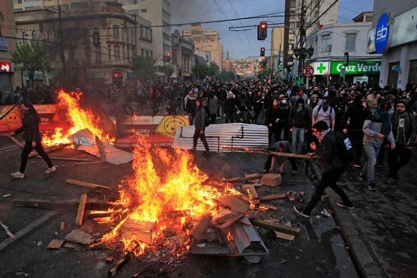 اعتراضات آتشین در شیلی