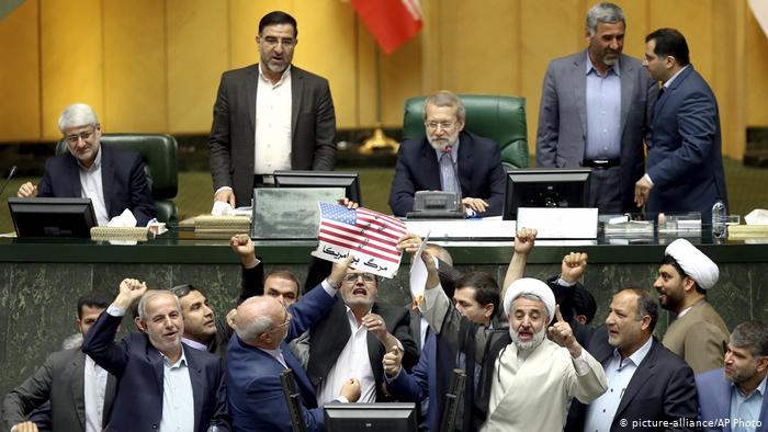 نماینده تهران: «مجلس بعدی را تعطیل کنید!»
