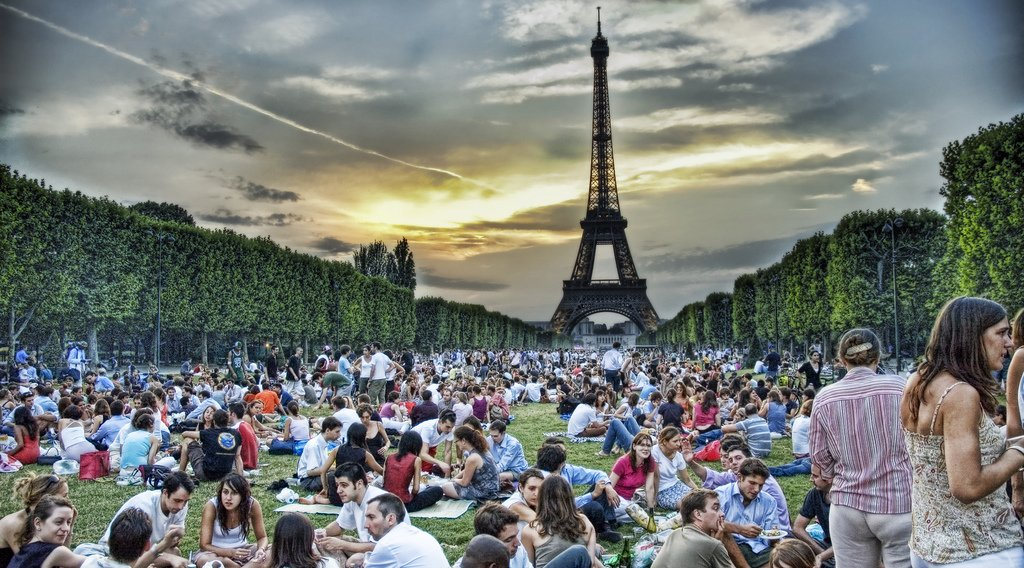 ممنوعیت لوازم غذاخوری پلاستیکی در فرانسه