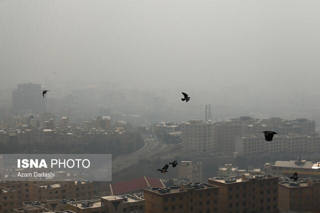 تهران خلوت در غبار