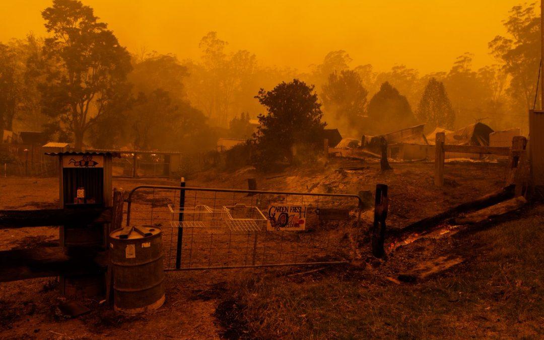 شرق استرالیا در آتش میسوزد