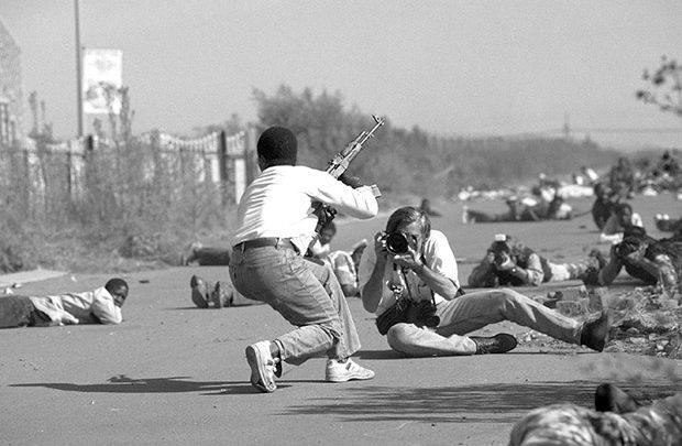 عکاس جنگ، راوی مرگ