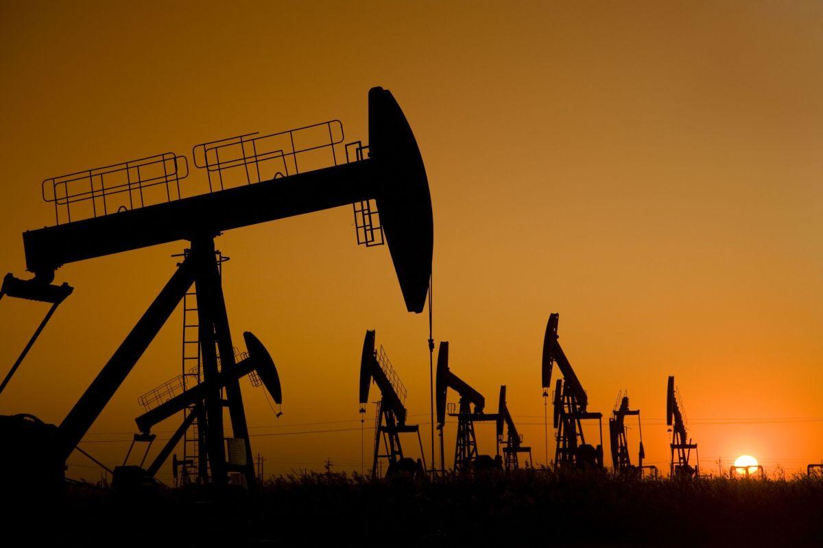 نشانههای آغازین منفی شدن قیمت نفت