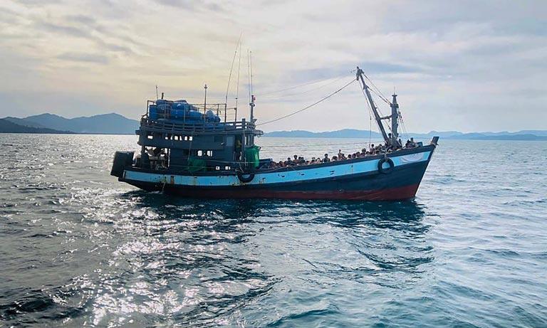 بنگلادش مهاجران روهینگیا را پذیرفت
