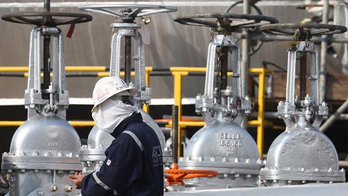 چرا کرونا تنها عامل کاهش قیمت نفت نیست؟