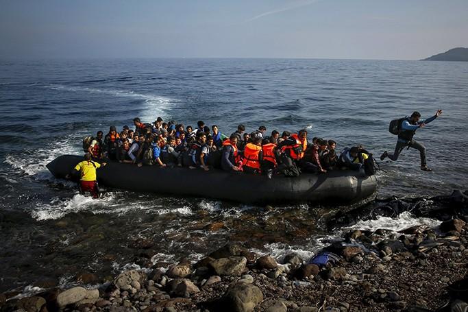 علیه اخاذی مضاعف؛ پناهجویان به مثابه تهدید و فرصت توامان