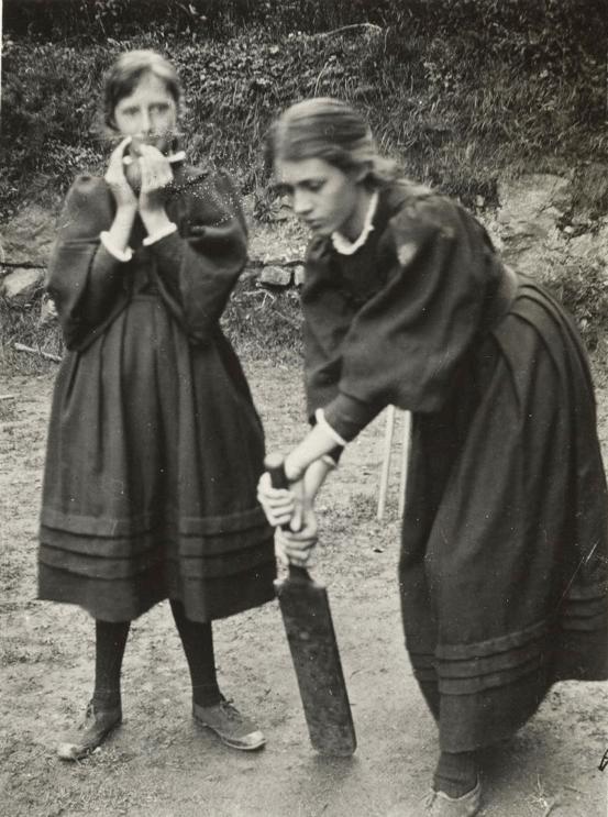 ویرجینیا ولف و ونسا استفن سال ۱۸۹۴