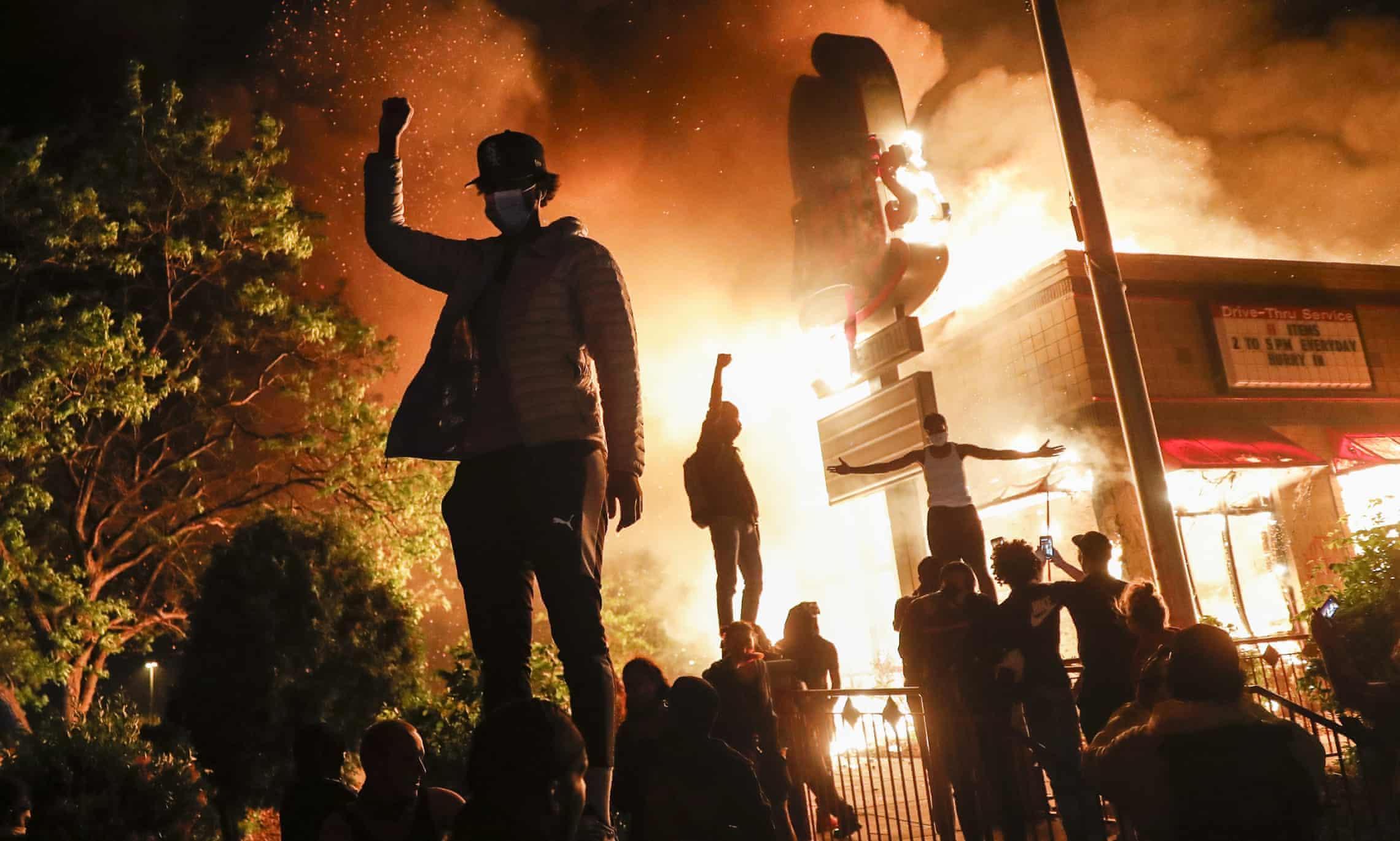 حضور لباسشخصیها در سرکوب تظاهرات مینیاپولیس