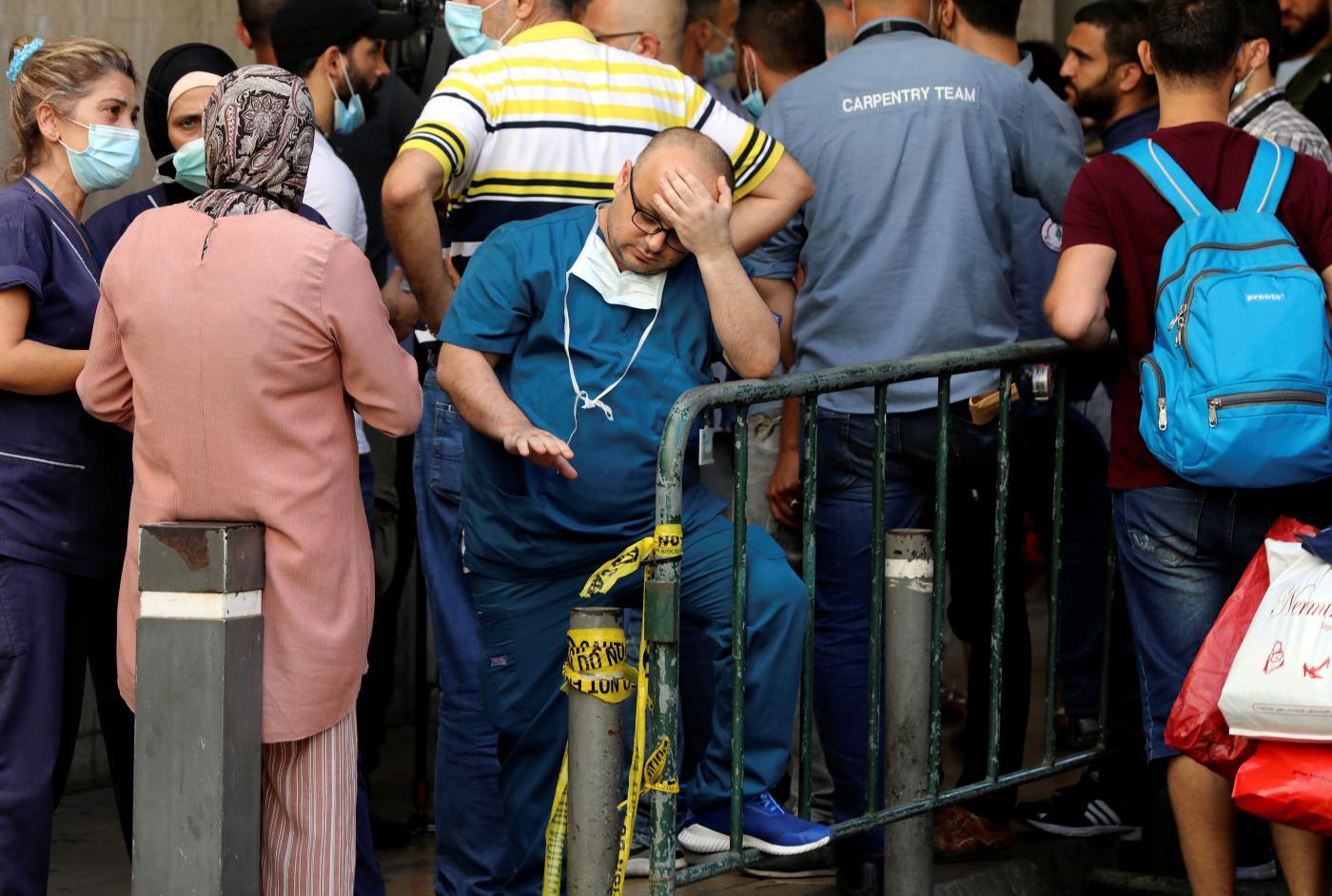 اخراج ۵۰۰ نفر از دانشکده پزشکی دانشگاه آمریکایی بیروت