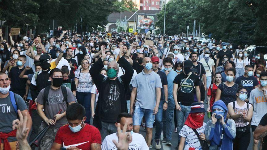 تظاهرات صربستانیها علیه پنهانکاری دولت درباره کرونا