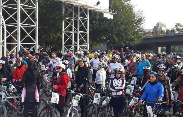 هیئت دوچرخهسواری سبزوار تن به ممنوعیت برای زنان نداد