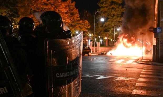 معترضان به منع عبور و عبور اینبار در ایتالیا