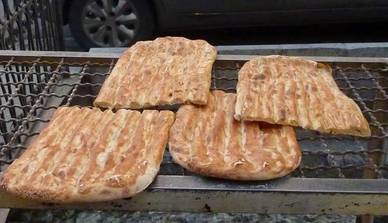 فروش قسطی نان در سیستان و بلوچستان