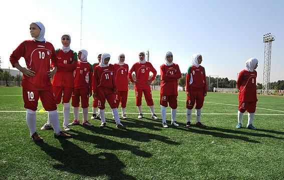 حذف تیم ملی فوتبال زنان از ردهبندی فیفا