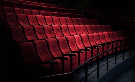 تئاتر به دنبال اثبات موجودیت