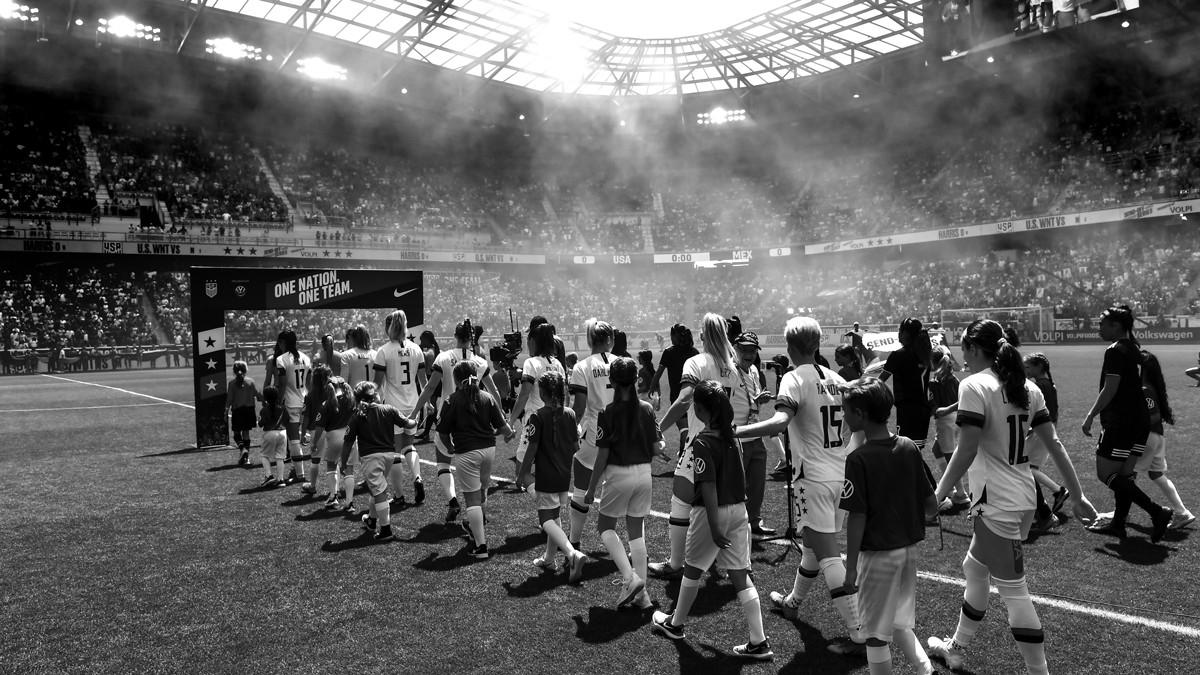 دستمزد نابرابر زنان و مردان در فوتبال