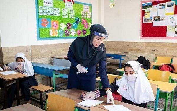 خراسان رضوی با کمبود ۲۳ هزار معلم مواجه است