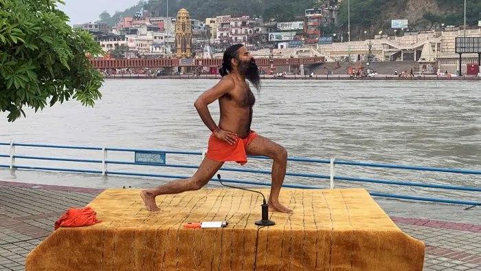 اعتراض دکترهای هندی به ادعای درمان کرونا توسط یوگا و طب سنتی