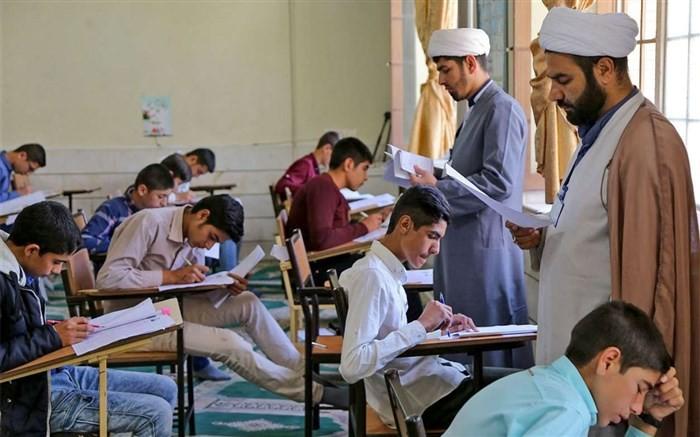 «مدارس علوم و معارف اسلامی را گسترش دهید»