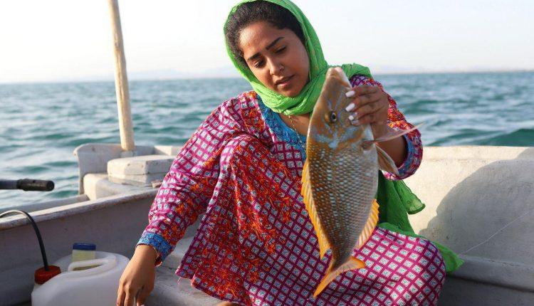 می گویند کار زن ماهیگیری نیست